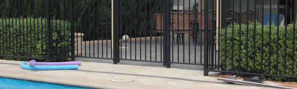 Difference Between Pool Fencing & Garden Fencing