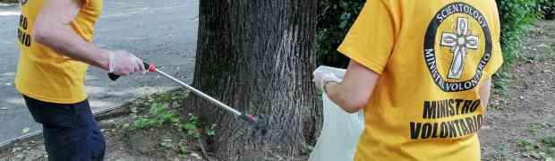 I Ministri Volontari di Scientology e il parco 'di casa' pulito