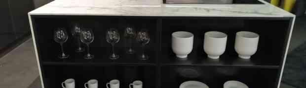 VezzDesign presenta le sue cucine in acciaio nello show-room di Milano